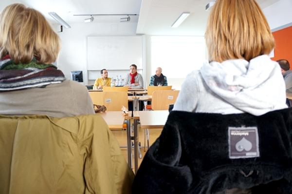 PraktikerInnen zu Besuch im Seminar. Foto: Andreas Rickert-Lützen